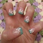 Nail design blue flowers