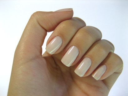 whiten yellow nails