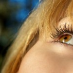 Apply mascara without clumping